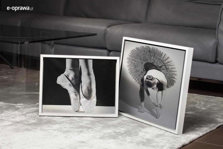 biała ramka do monochromatycznych zdjęć