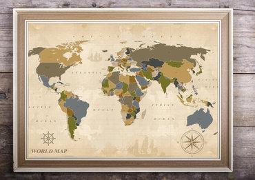 mapa w drewnianej ramie