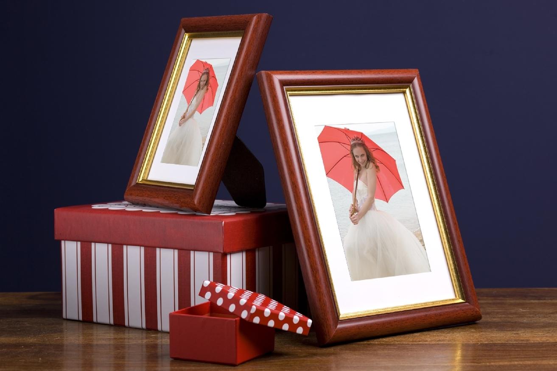 Rama do obrazów i zdjęć mahoniowa z paskiem Lord GC