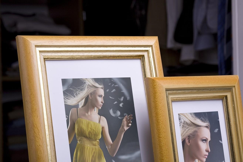 Rama do obrazów i zdjęć miodowa z paskiem Jawa AC
