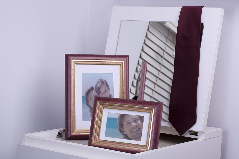 Rama do obrazów i zdjęć bordowa z paskami Jawa AD