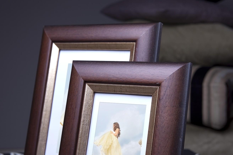 Rama do obrazów i zdjęć kasztanowa zaokrąglona Sago AA