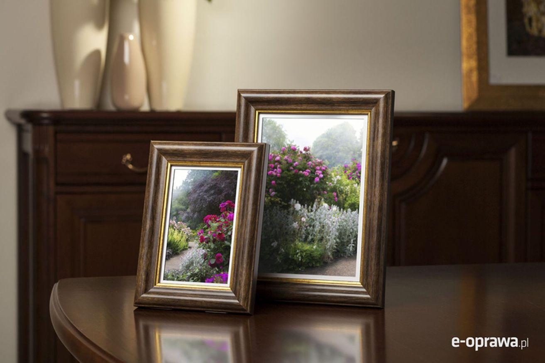Rama do obrazów i zdjęć jasnobrązowa ze złotym paskiem Chile AA