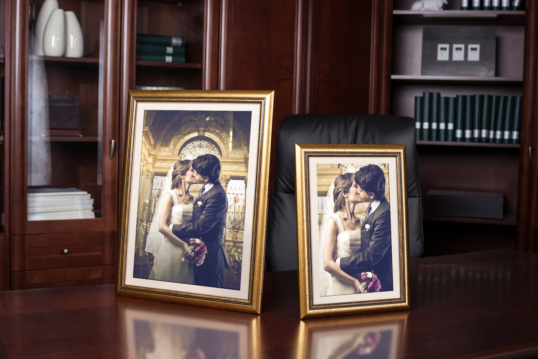 Rama do obrazów i zdjęć złota z grafitowym paskiem Ines AA