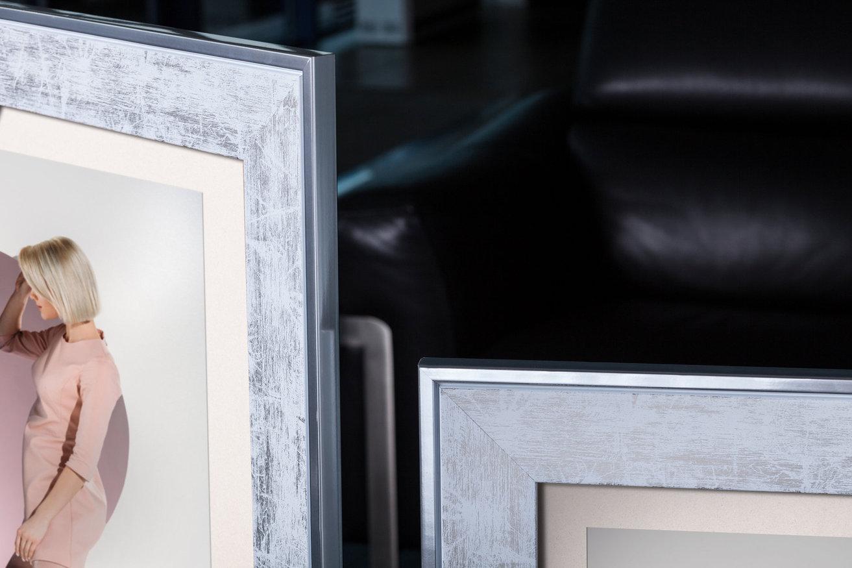 Rama do obrazów i zdjęć biała przetarta srebrem Tamiza AA