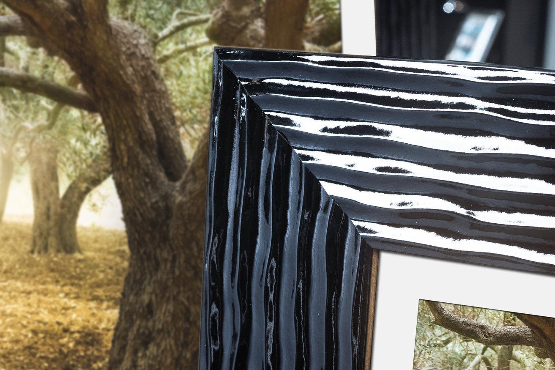 Rama do obrazów i zdjęć czarna pokarbowana Lukrecja AA