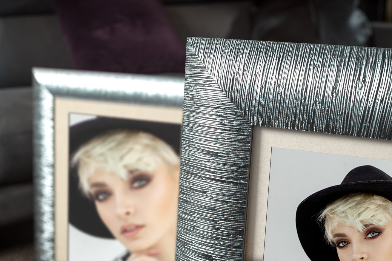 Rama do obrazów i zdjęć srebrna paskowana Stella AA