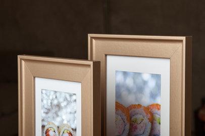 Ramka na zdjęcia i obrazy złota satynowa z zagłębieniem London AC
