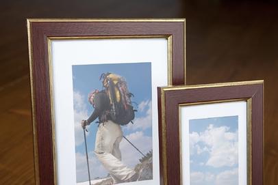 Rama do obrazów i zdjęć ciemnowiśniowa z paseczkiem Salto AD