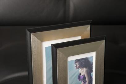 Rama do obrazów i zdjęć srebrna z czarnymi krawędziami Dallas AE