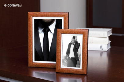 Rama do obrazów i zdjęć orzechowa rozjaśniona Pedro AC