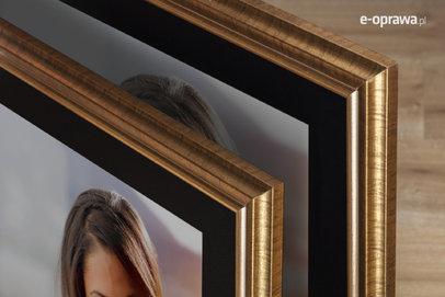 Rama do obrazów i zdjęć złota wyżłobiona w prążki Rodan AC