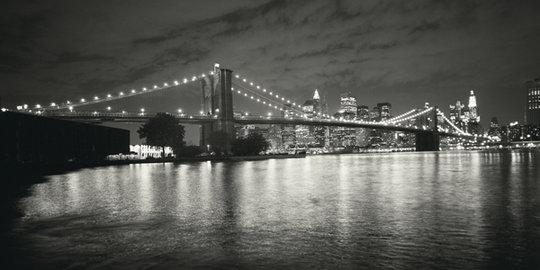 Znalezione obrazy dla zapytania most nocą